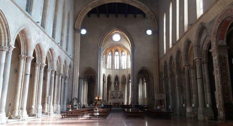 Cosa vedere a Napoli in due giorni Basilica di San Lorenzo Maggiore
