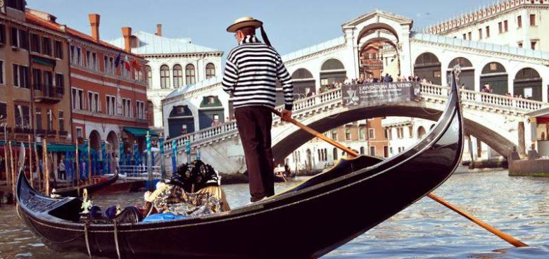 Posti belli da visitare assolutamente a Venezia Canal Grande e le gondole