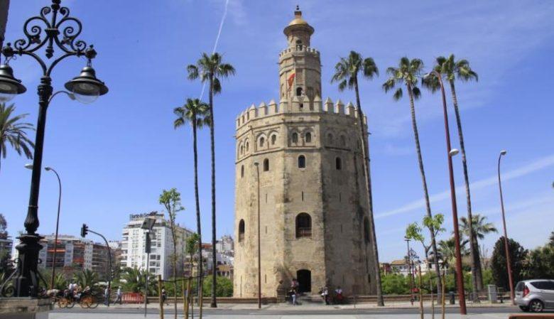 Cosa vedere a Siviglia in un giorno La Torre dell'Oro