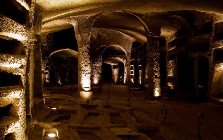 Luoghi belli da visitare assolutamente a Napoli Le Catacombe di San Gennaro