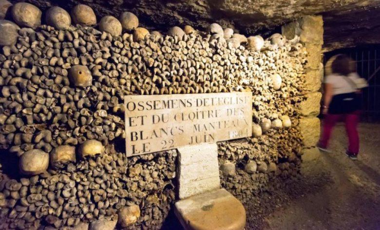 Visitare Parigi ecco cosa vedere assolutamente a Parigi Le catacombe di Parigi