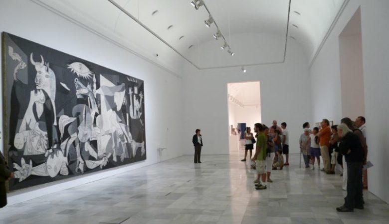Posti da visitare assolutamente a Madrid Museo Nacional Centro de Arte Reina Sofìa