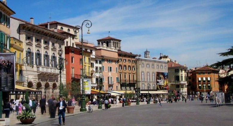 Cosa visitare a Verona assolutamente Piazza Bra